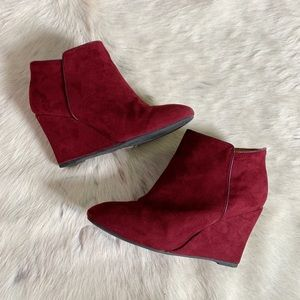 Deep Red Wedges